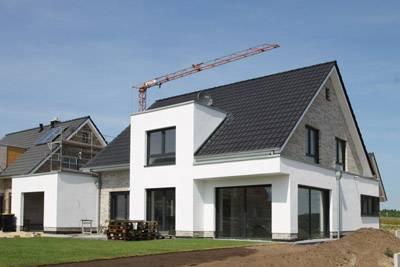 Massivhaus bauen schl sselfertiges bauen zum festpreis for Moderne ha user mit satteldach